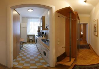 Apt no. 6: Fully equiped kitchen and hallway