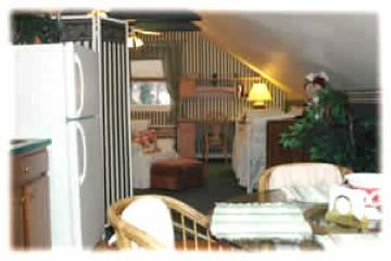 The Carriage House Guest Suite