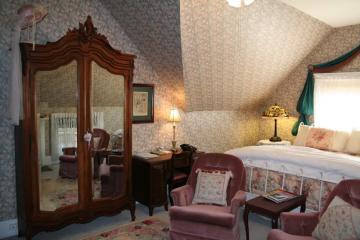The Central Park Bedroom, Floor 3
