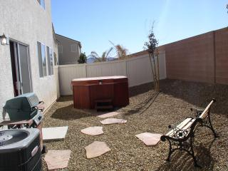 Private Courtyard & Hottub with outdoor gas grill