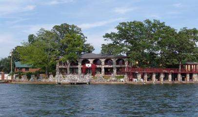 Heart of Beautiful Lake Hampton Vacation Rental